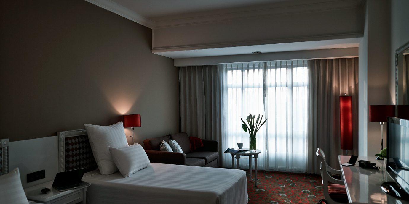 property living room Bedroom Suite condominium home flat lamp