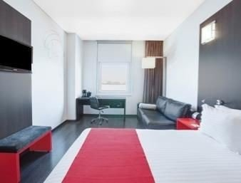 red property condominium Suite flooring Bedroom