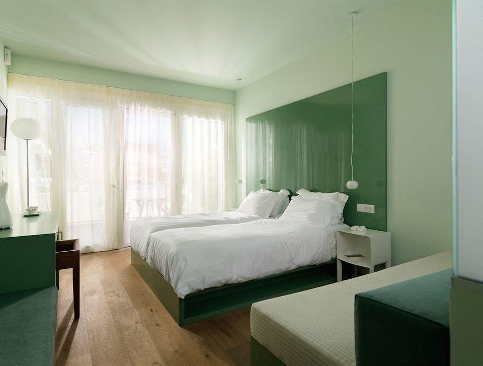 green Bedroom property condominium Suite living room