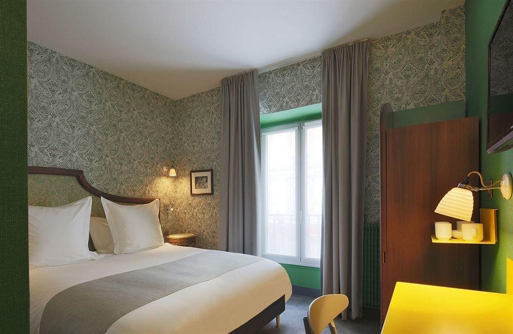 green property Suite Bedroom condominium living room home lamp