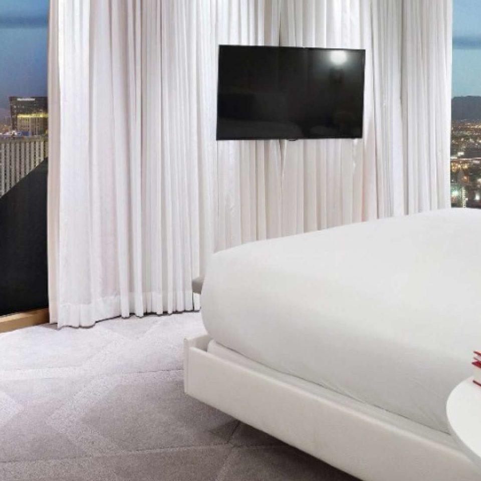 property Bedroom Suite home condominium living room
