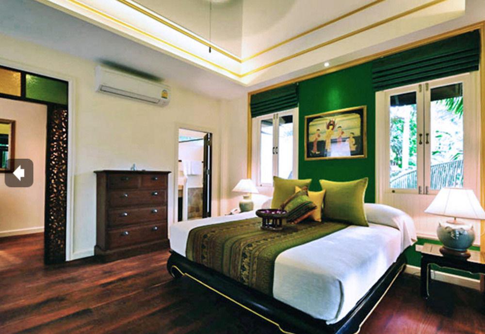 property Bedroom living room home condominium Suite recreation room