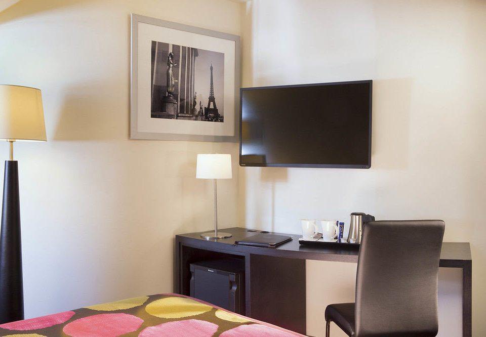 property living room Suite condominium home Bedroom lamp