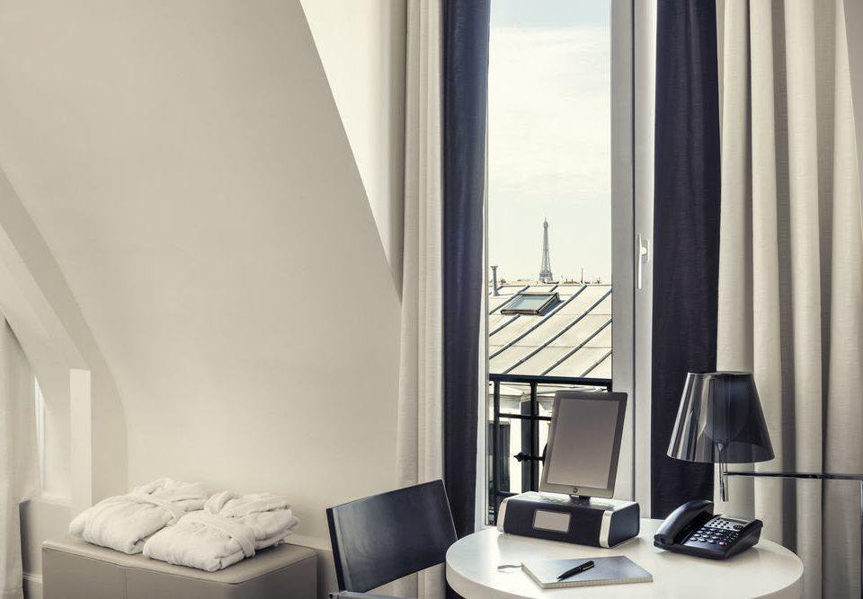 property home Suite condominium Bedroom