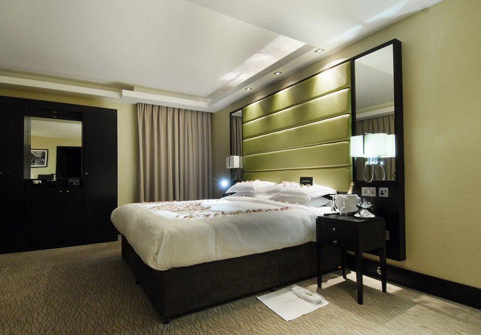 Bedroom property living room Suite condominium home