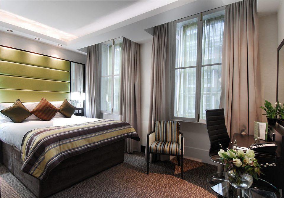 Bedroom property Suite condominium living room home