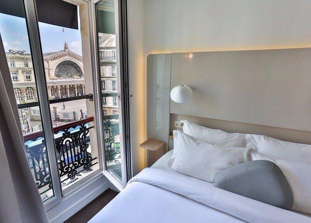 property home condominium Bedroom Suite