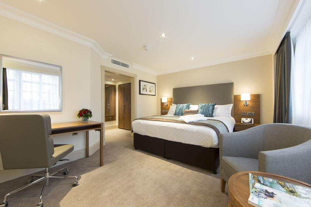 property Suite living room Bedroom condominium home