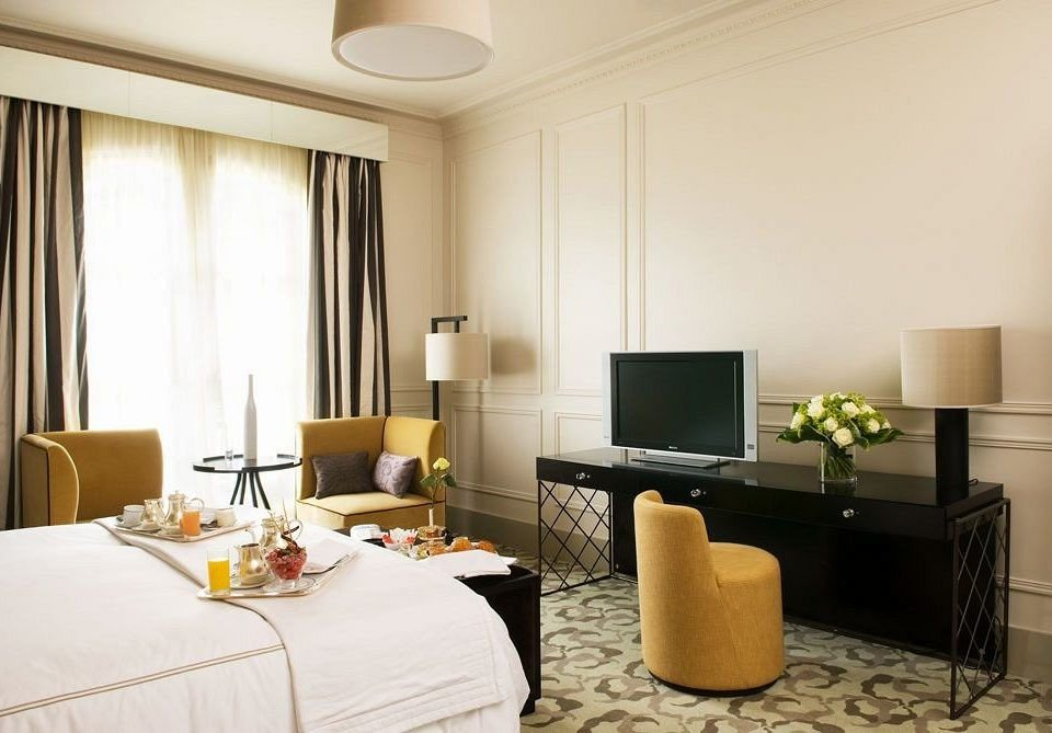 property Suite living room condominium home Bedroom