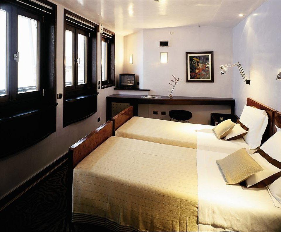property living room Suite home yacht condominium Bedroom