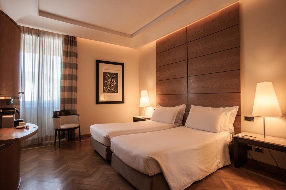 Bedroom property Suite living room condominium lamp