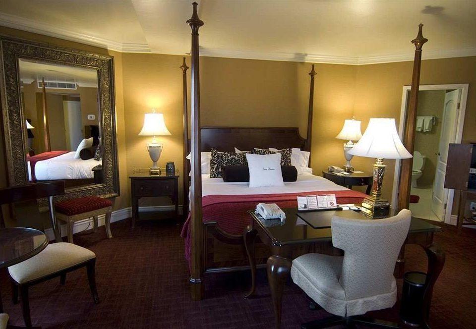 property Suite Bedroom living room condominium lamp