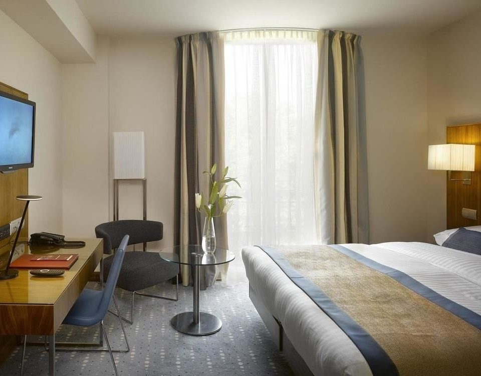 Bedroom property condominium Suite living room lamp