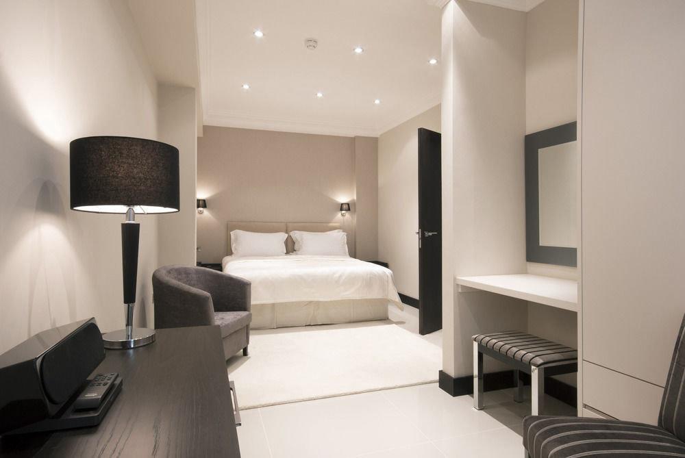 property Suite condominium living room Bedroom