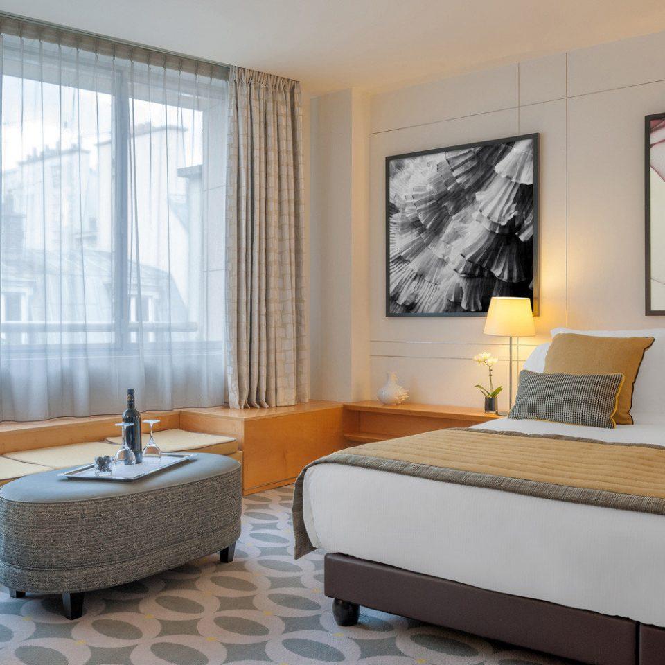 property Suite living room Bedroom condominium
