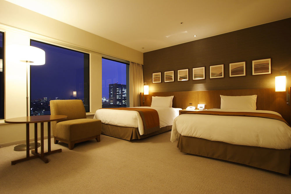 Bedroom property Suite condominium living room