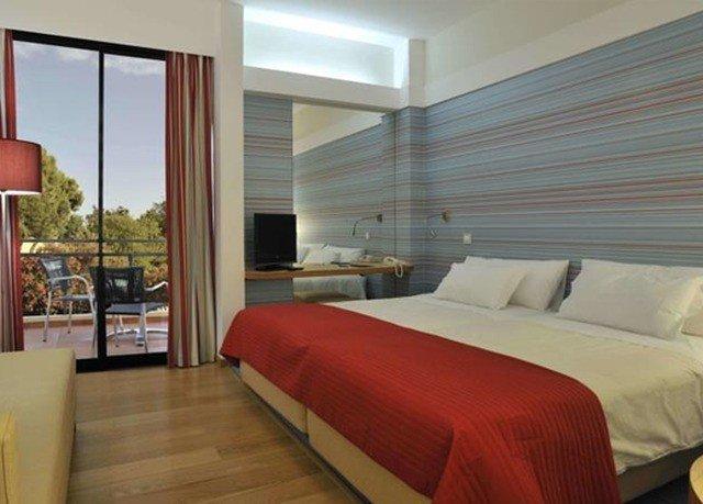 sofa Bedroom red property Suite condominium