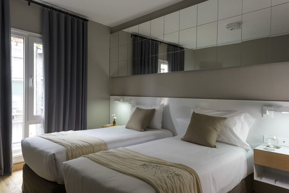 Bedroom property condominium Suite
