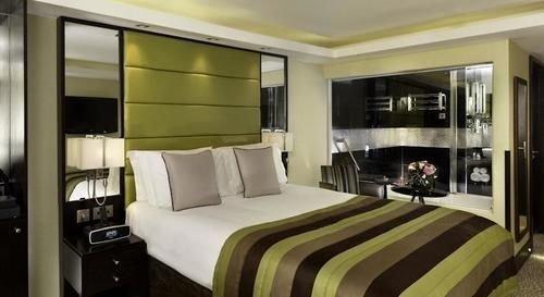 Bedroom property condominium Suite vehicle yacht