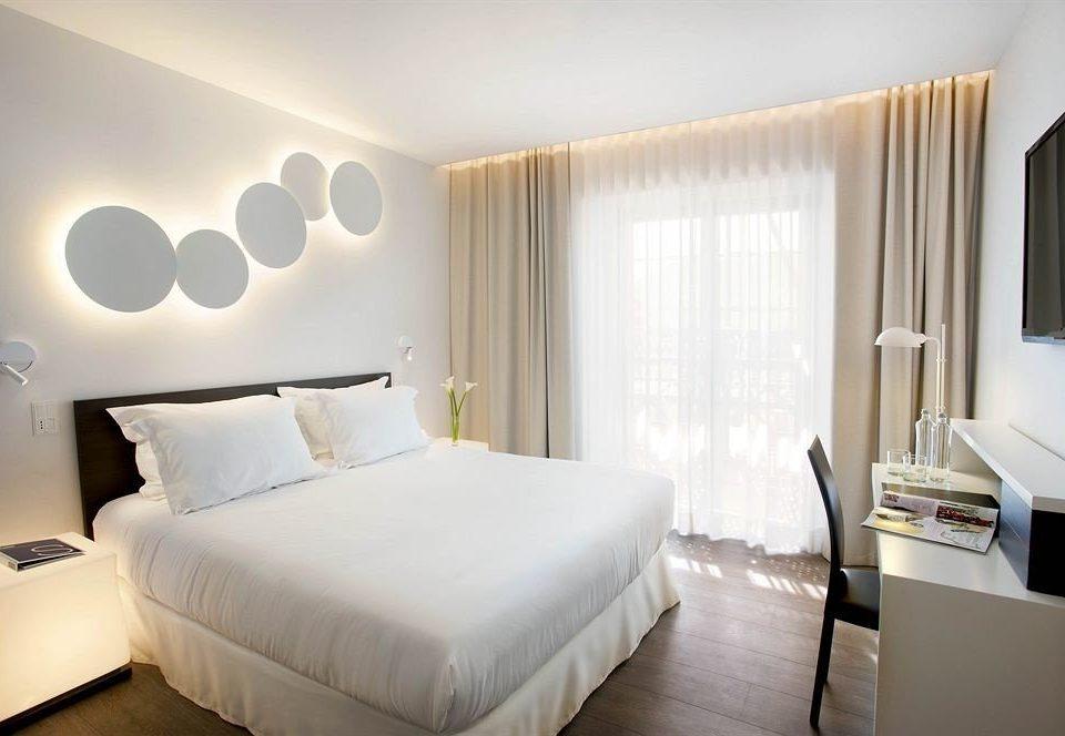 Bedroom property Suite scene condominium