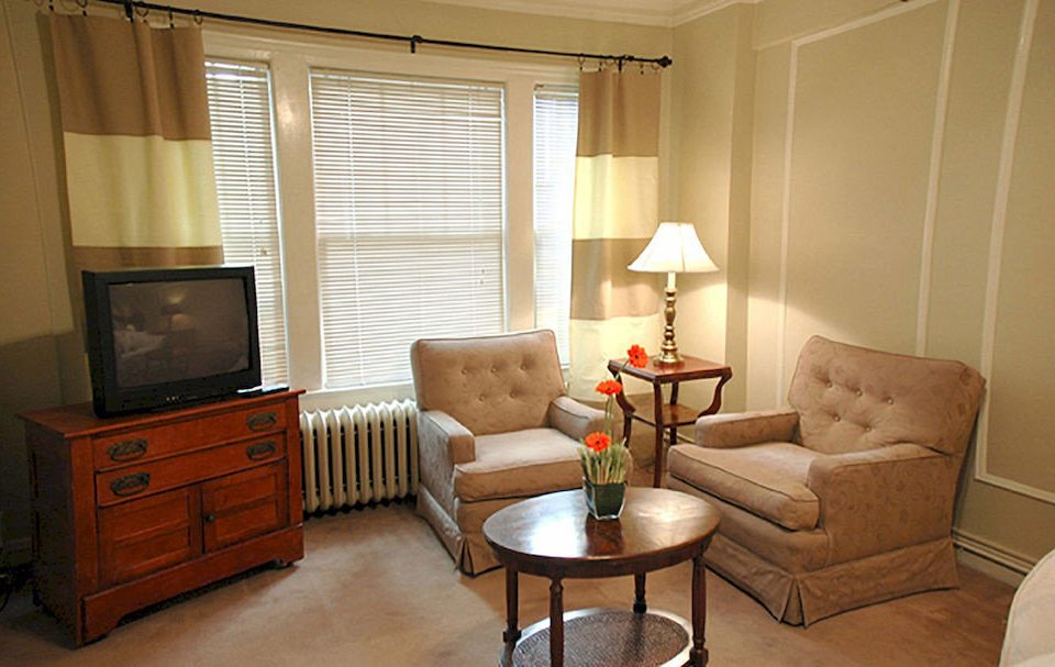 property living room Suite home Bedroom cottage containing