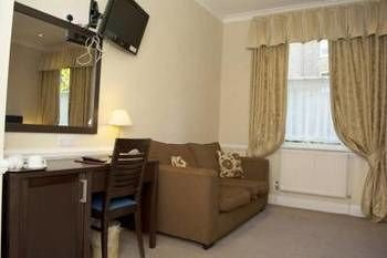 property cottage Suite curtain Bedroom