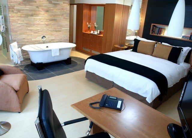 property Suite desk yacht cottage Bedroom