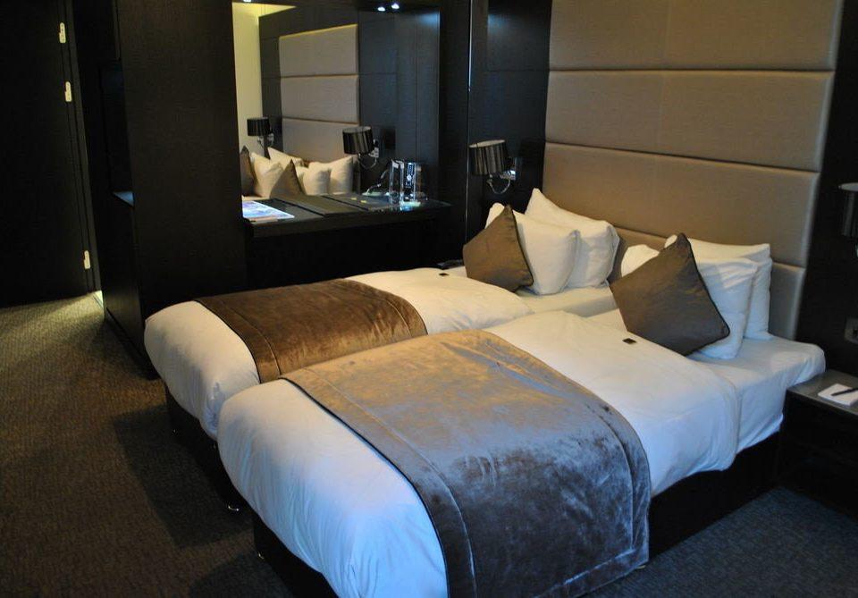 property Bedroom desk Suite living room home cottage