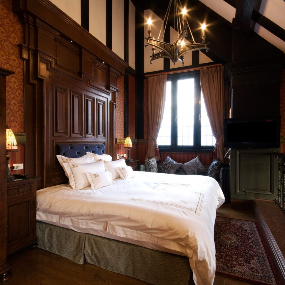 Bedroom property home hardwood cottage mansion Suite farmhouse night