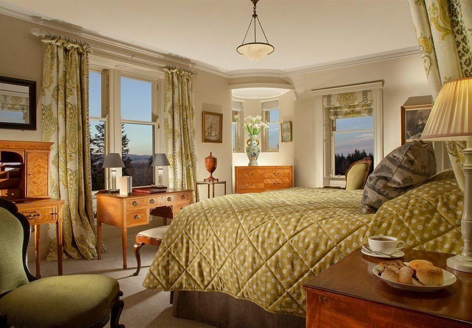 sofa property living room Bedroom home cottage Suite hardwood farmhouse mansion