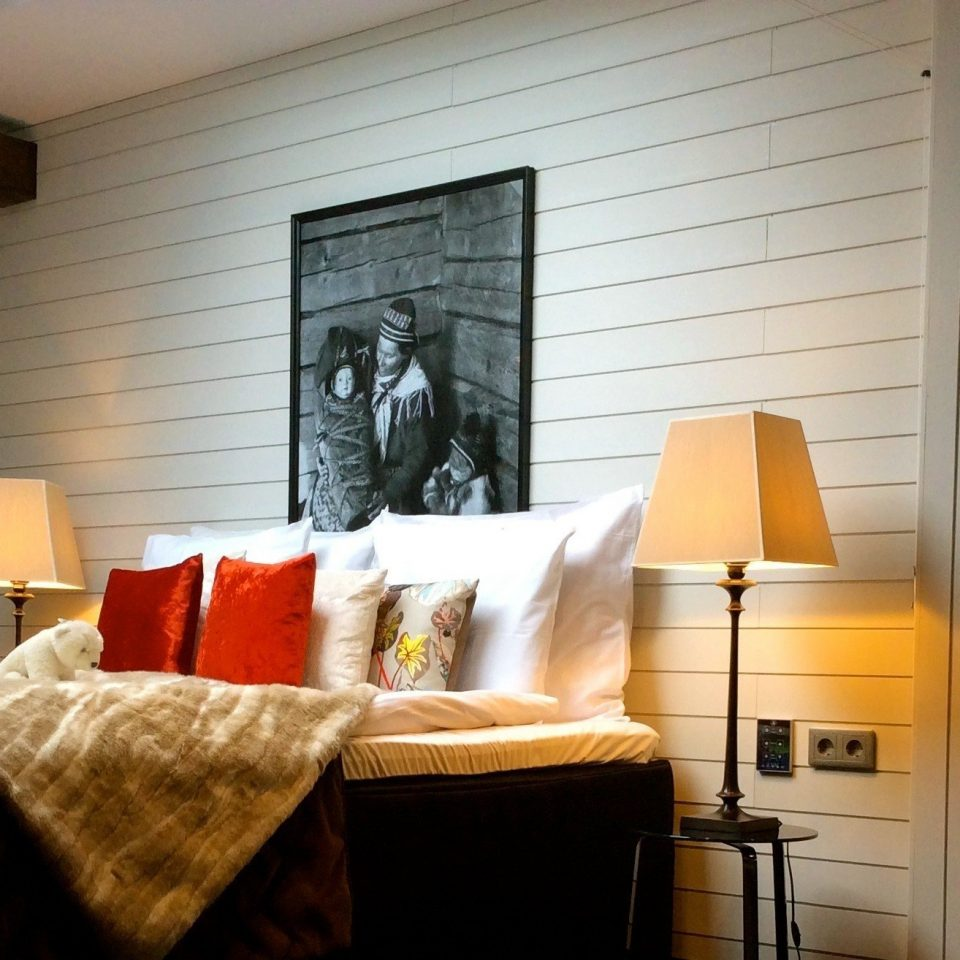property home living room house cottage Bedroom farmhouse Suite
