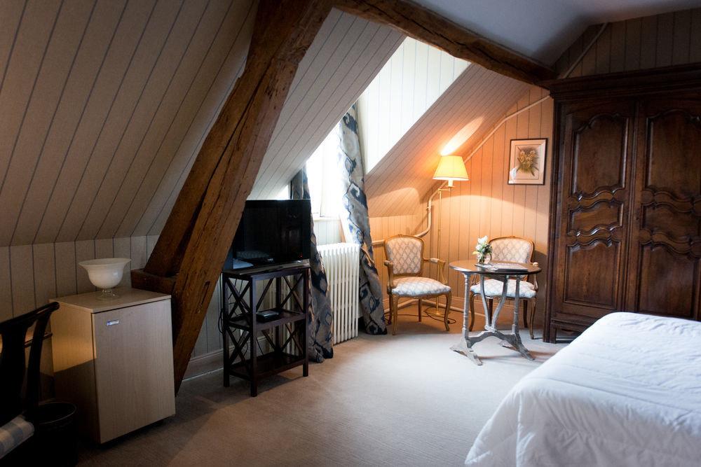 Bedroom property house cottage home Suite farmhouse