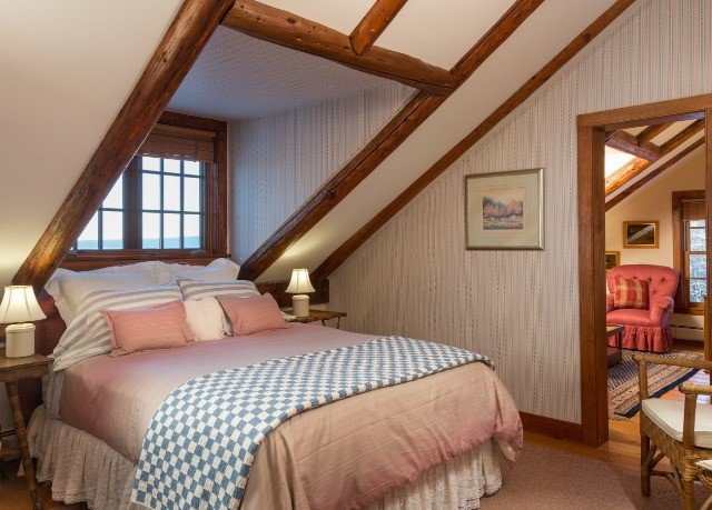 Bedroom property cottage farmhouse Suite
