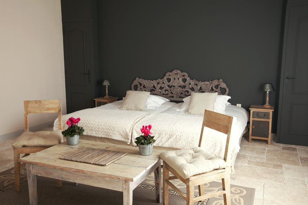 property living room cottage hardwood home Bedroom Suite farmhouse
