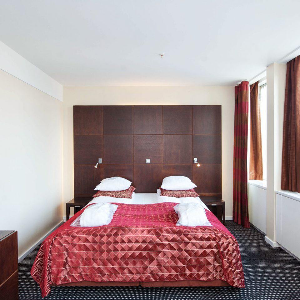 red property Suite Bedroom cottage flat