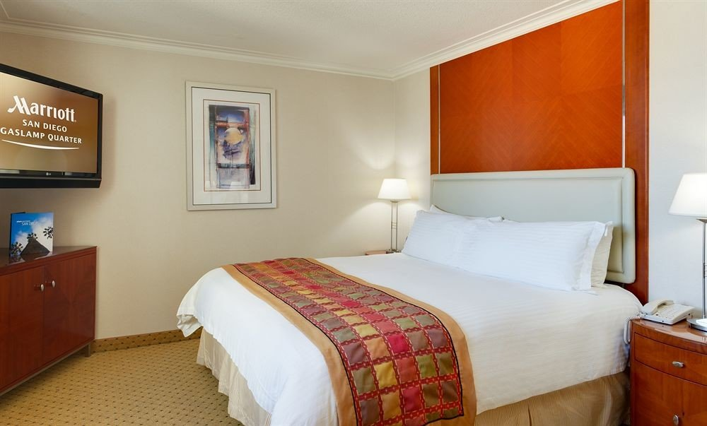 Bedroom property Suite cottage flat