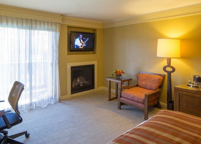 property living room Suite home Bedroom hardwood cottage flat