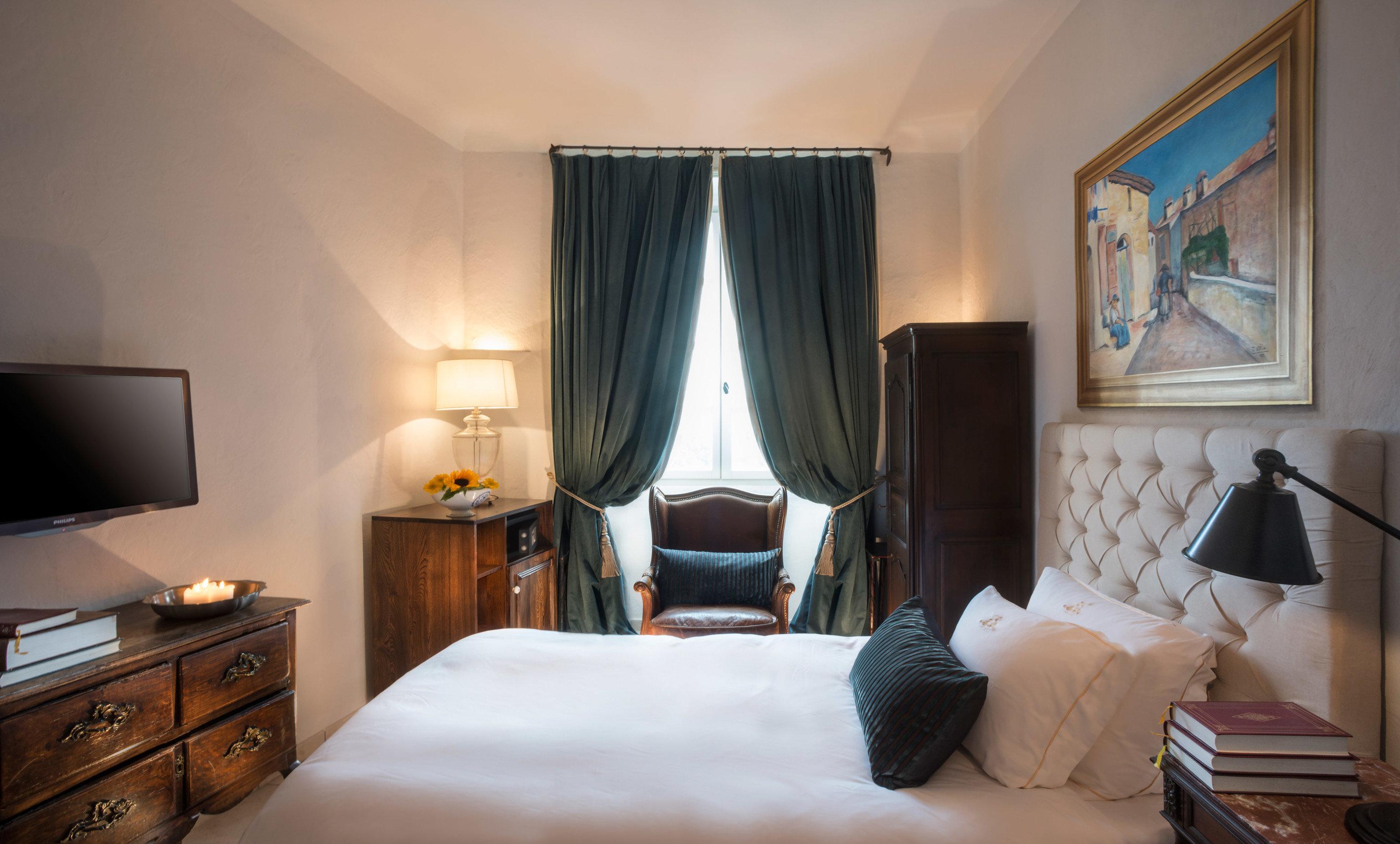 property Bedroom Suite cottage flat