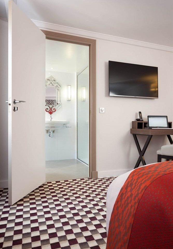 property Suite Bedroom home cottage flooring
