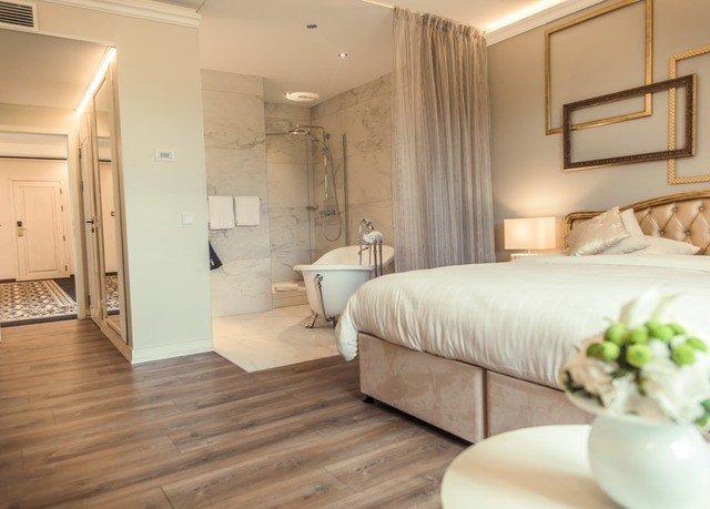 property hardwood Suite flooring wood flooring cottage Bedroom