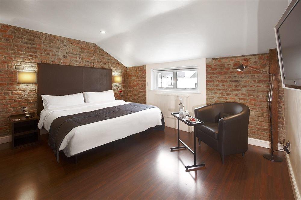 property Suite hardwood cottage Bedroom loft hard