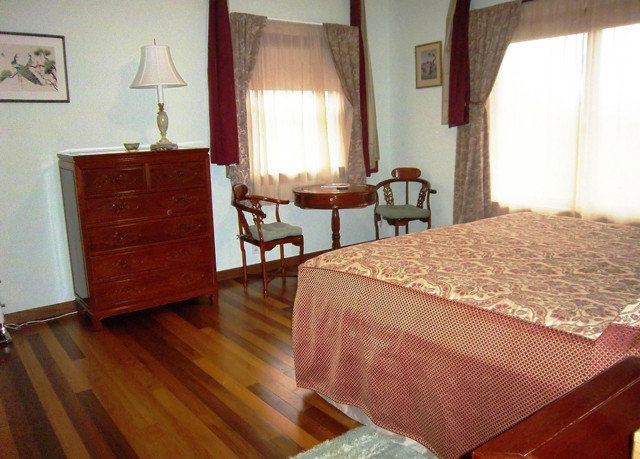 property cottage hardwood Suite Bedroom wood flooring hard