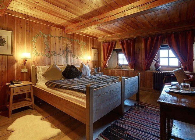 property wooden log cabin cottage Suite Bedroom hard