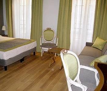 property Suite hardwood cottage hard Bedroom