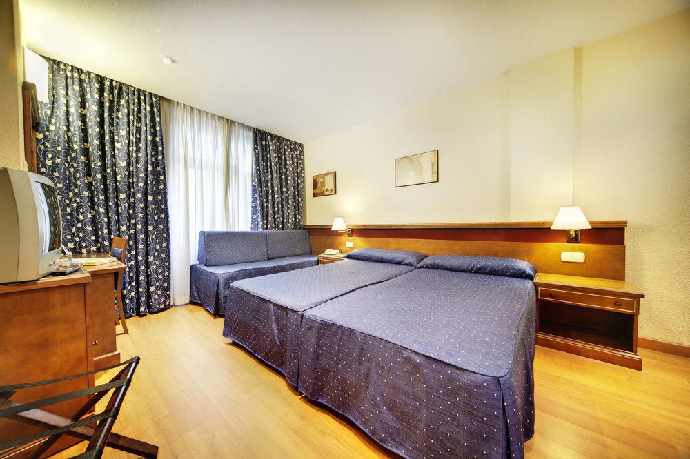 property Suite hardwood Bedroom cottage
