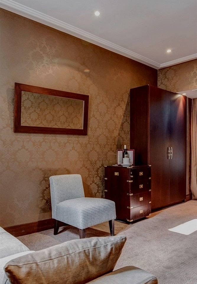 property living room Suite home hardwood Bedroom cottage