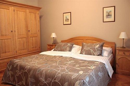 Bedroom property cottage wooden Suite hardwood