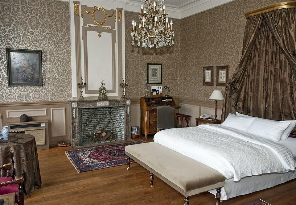 property Bedroom cottage home hardwood living room Suite