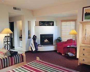 property Bedroom living room home hardwood cottage Suite rug