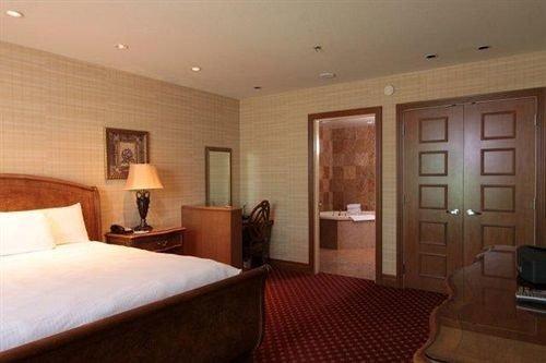 Bedroom property Suite hardwood cottage
